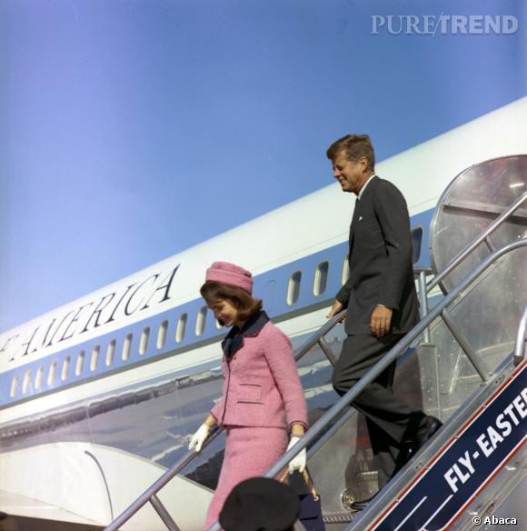 Jackie Kennedy et le Président Kennedy arrive à Dallas le 22 novembre 1963, il y a 50 ans.
