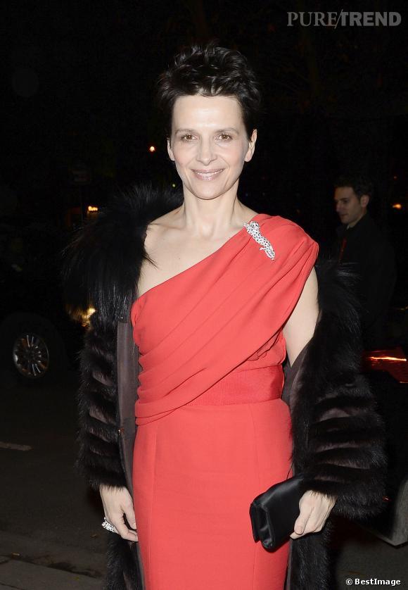 Juliette Binoche, ose l'allure audacieuse et sexy à la soirée Cartier !