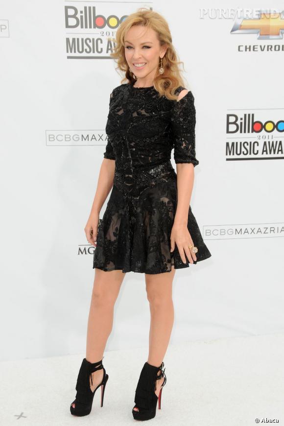 Kylie Minogue mesure un petit mètre 57...