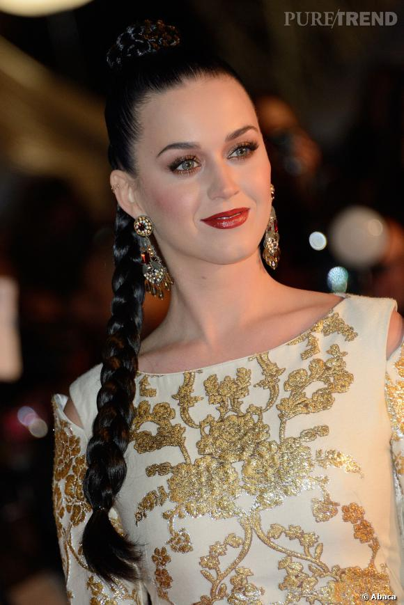 Katy Perry très pro malgré tout a continué d'assurer le show.