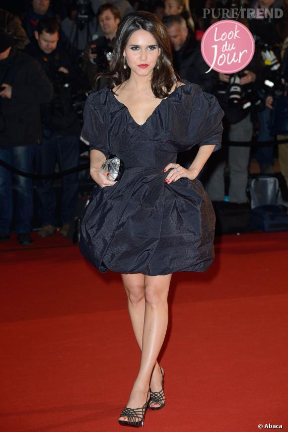 Joyce Jonathan, prix de l'audace sur le tapis rouge des NRJ Music Awards 15e édition le 14 décembre 2013.