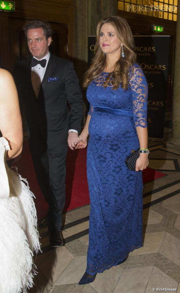 La Princesse Madeleine de Suède affiche sa grossesse sur tapis rouge à l'occasion de l'anniversaire la Reine Silvia à Stockholm.