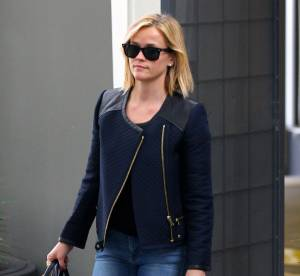 Reese Witherspoon, maman cool en jean moulant... A copier !