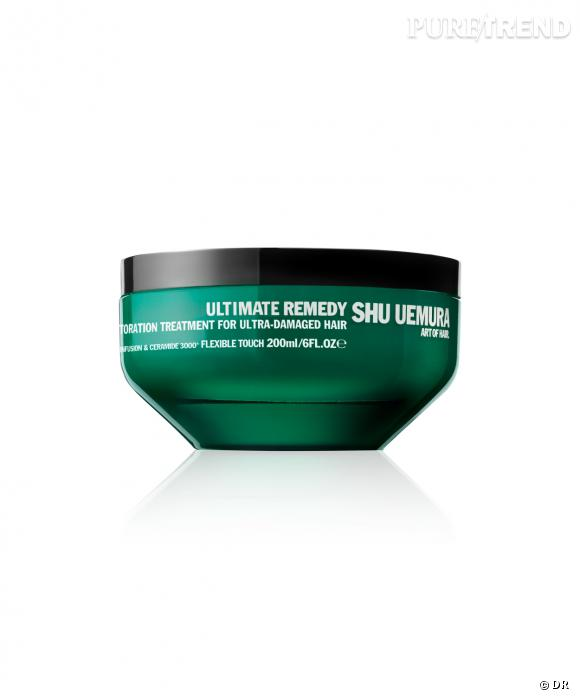 Cheveux abimés, fragilisés par une décoloration, longueurs assoifées... Le masque pour les cheveux Ultimate Remedy de Shu Uemura est fait pour vous. Les effets se voient dès 5 minutes de pose et il laisse une odeur ambré très élégante sur les cheveux. Masque Ultimate Remedy de Shu Uemura - 61,00€ le pot.