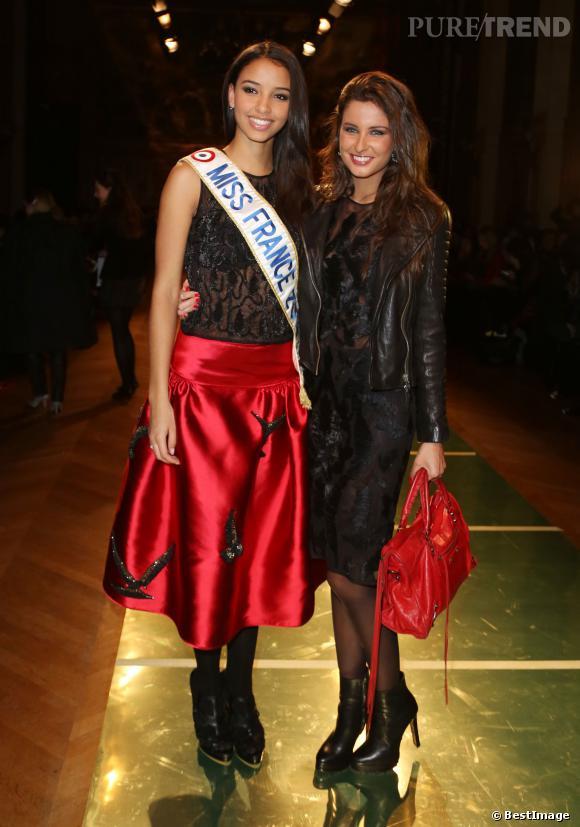 Flora Coquerel et Malika Menard au défilé Oscar Carvallo Haute Couture Printemps-Été 2014.