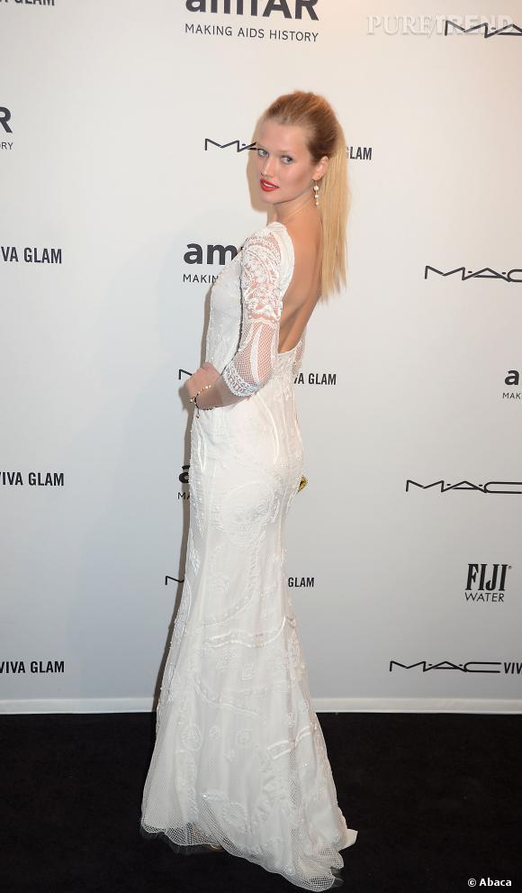 Toni Garrn au gala de l'amfAR à New York en février 2013... avant qu'elle ne croise le chemin de Leonardo DiCaprio.