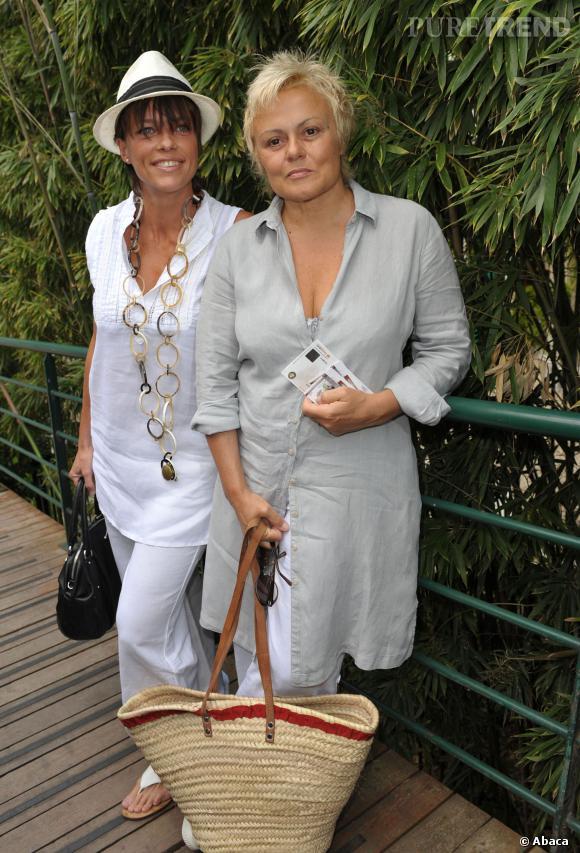 Muriel Robin et sa compagne Anne Le Nen.