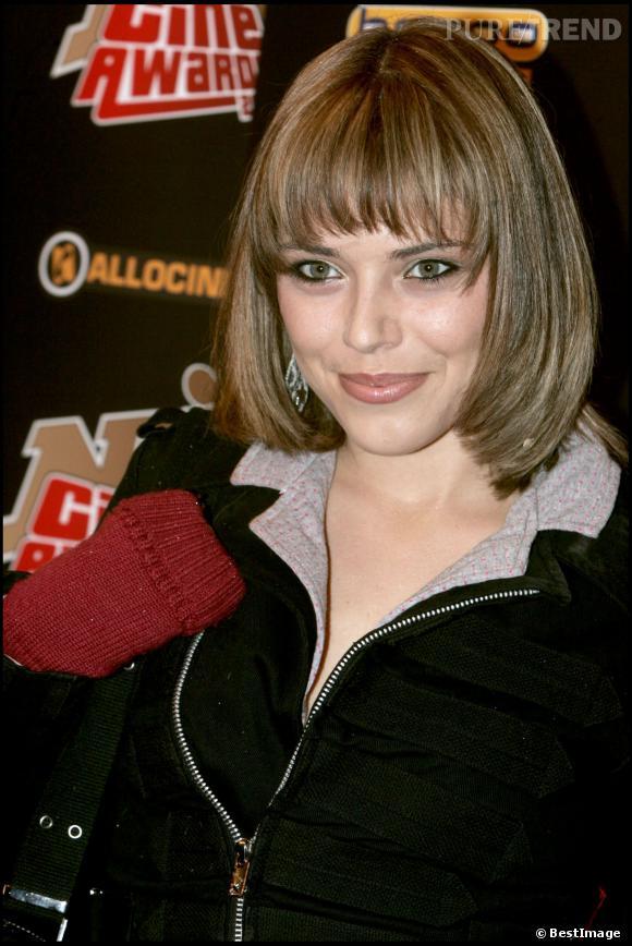 Emma Daumas, passée au carré, à la cérémonie des NRJ Ciné Awards, en 2005.