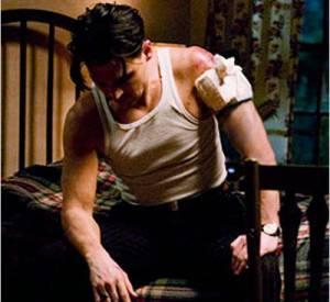 """Christian Bale, encore une fois sexy en marcel (dans """"Public Enemies"""")."""
