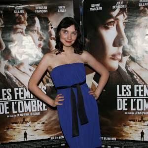Déborah François version brunette pour Les Femmes de L'ombre.