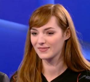 Louise Bourgoin : elle imite Carla Bruni et se prend une bouteille sur le crâne