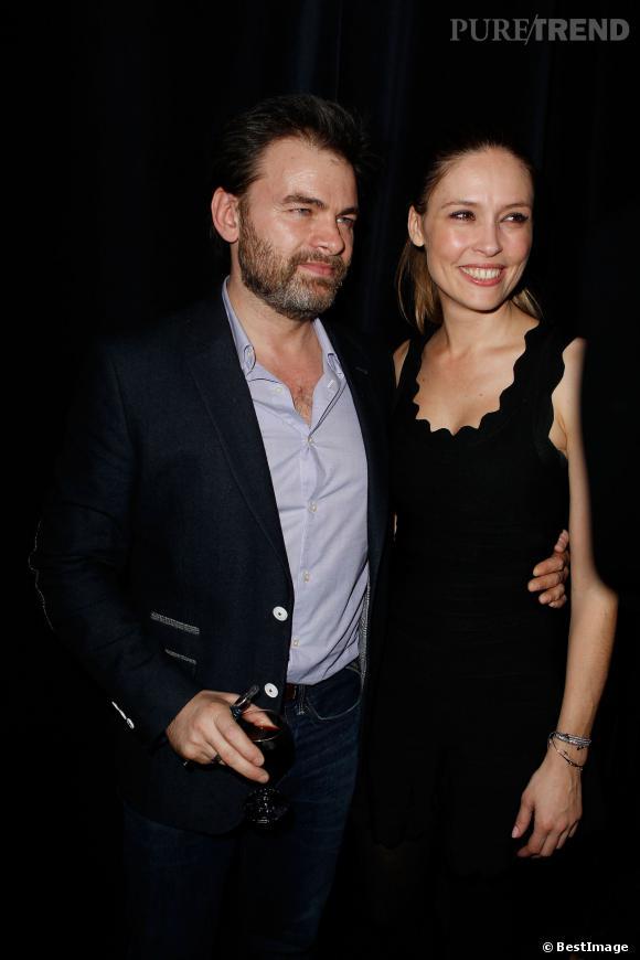 """Clovis Cornillac et sa femme, Lilou Fogli, complices à la générale de """"Jupe Obligatoire"""", hier soir."""