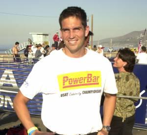 Jim Caviezel fan de t-shirts promotionnels en 2001.