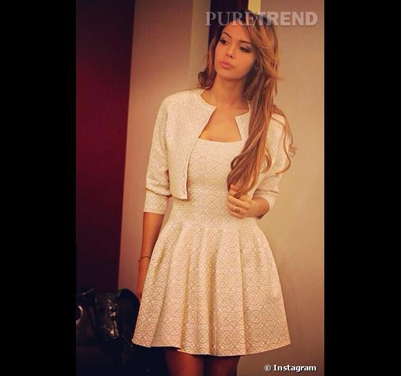 Nabilla a posté une photo d'elle en Azzedine Alaïa sur Instagram.