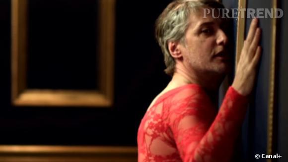 """Antoine de Caunes en body en dentelle rouge pour le clip """"Can't Remember to Forget You"""" !"""