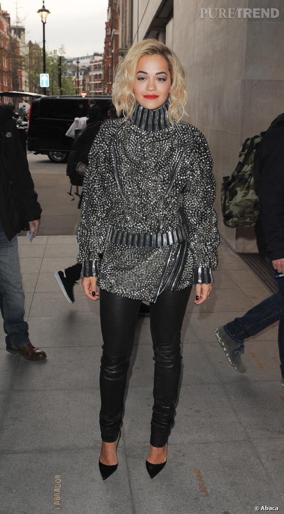 Rita Ora, la plus audacieuse des chanteuses à Londres le 31 mars 2014.