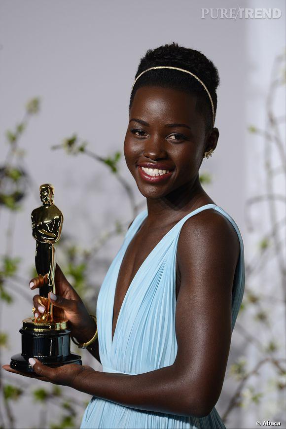 """Lupita Nyong'o a remporté l'Oscar de la meilleure actrice dans un second rôle pour """"12 Years a Slave""""."""
