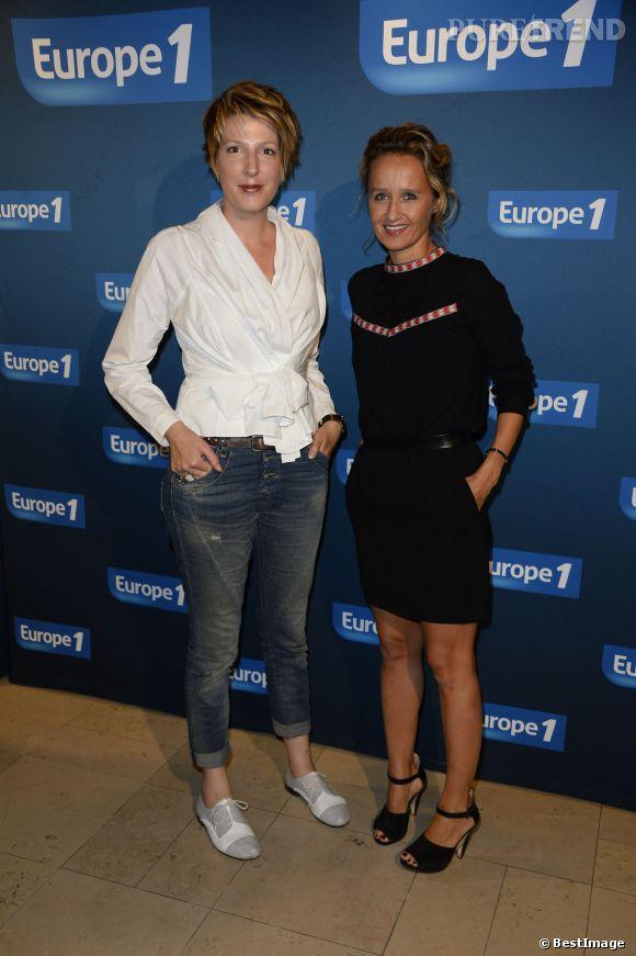 Natacha Polony et Caroline Roux à la conférence de presse de rentrée d'Europe 1 en septembre 2013.