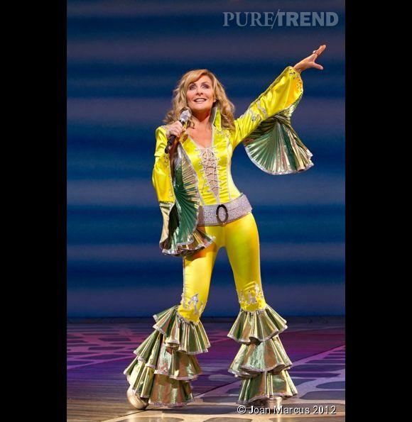 Aussi à l'aise dans son costume que sur scène, Judy McLane est la star incontestable de MAMMA MIA! à Broadway.