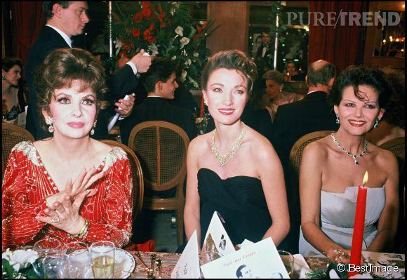 Claudia Cardinale avec Jane Seymour et Gina Lollobrigida lors des César en en 1989.