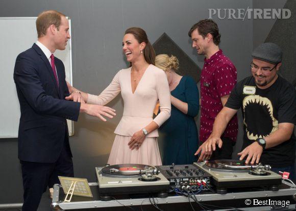 Kate Middleton et le prince William ont visité un centre de musique et d'activité pour jeunes à Adelaide en Australie, le 23 avril 2014.