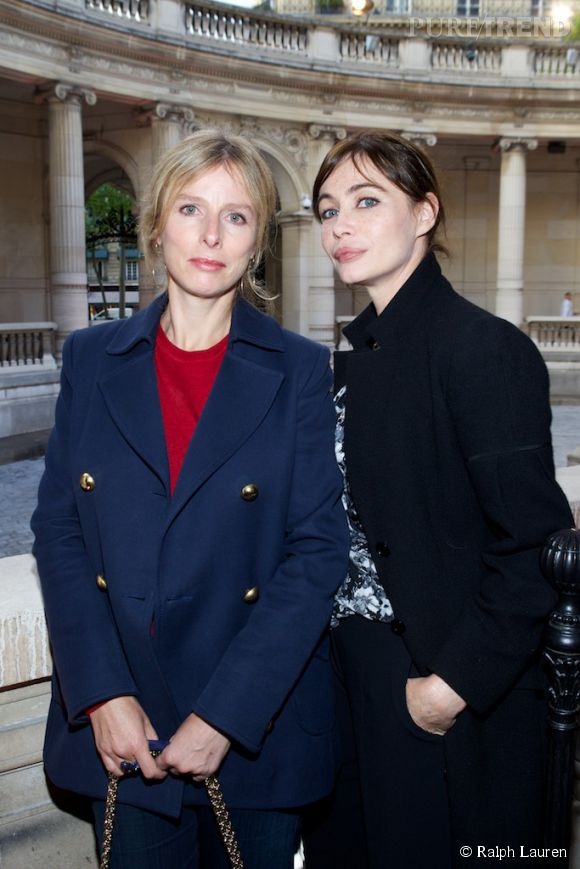 Karin Viard et Emmanuelle Béart lors du cocktail Ralph Lauren au Palais Galliera à Paris le 28 avril 2014.