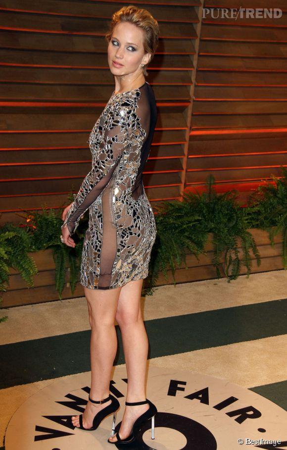 Jennifer Lawrence sans culotte en Tom Ford lors de l'after party Vanity Fair pour les Oscars 2014.