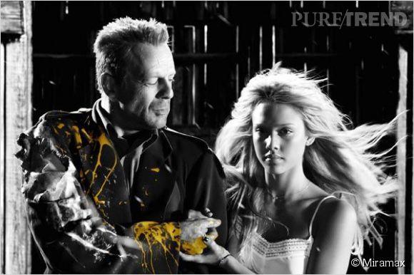 Dans Sin City, Bruce Willis se suicide pour sauver Jessica Alba.