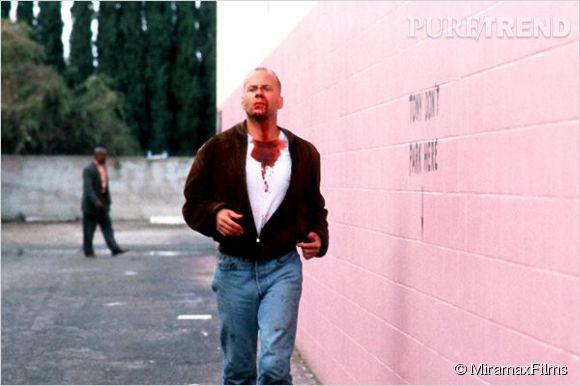 Bruce Willis est un boxeur raté qui sauve son pire ennemi dans le chef-d'oeuvre de Quentin Tarantino, Pulp Fiction en 1994.