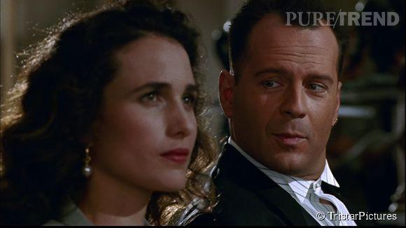 Bruce Willis est un sauveur irrésistible dans Hudson Hawk, gentleman cambrioleur. Ici aux côtés de l'actrice Andie MacDowell.