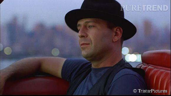 Bruce Willis sauve son meilleur ami pris en otage dans Hudson Hawk, gentleman cambrioleur, en 1991.