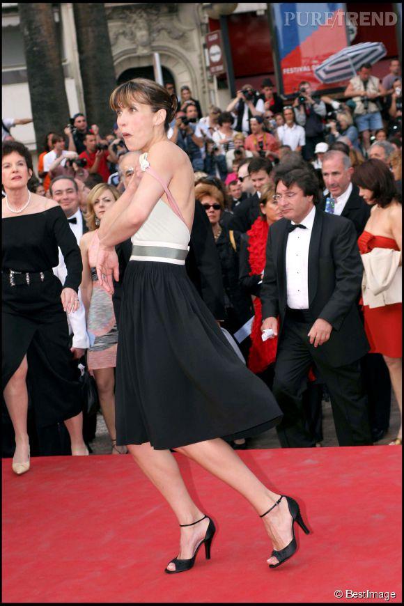 Sophie Marceau et sa bretelle coquine lors du Festival de Cannes 2005.