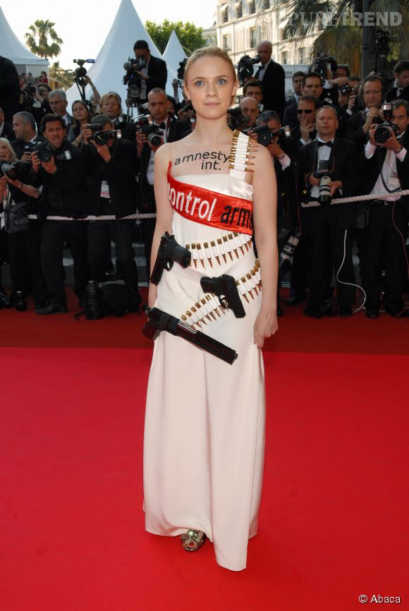 Sara Forestier et sa robe message lors du Festival de Cannes de 2007.
