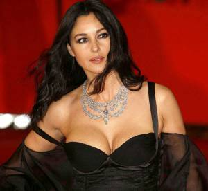 Monica Bellucci : le plus beau décolleté du monde en 20 photos