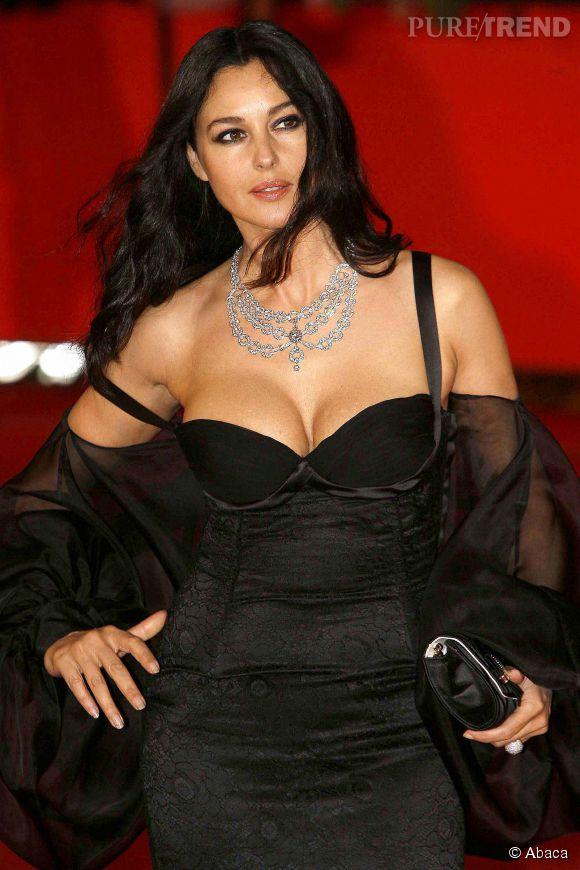 Monica Bellucci joue les vampes en Italie.