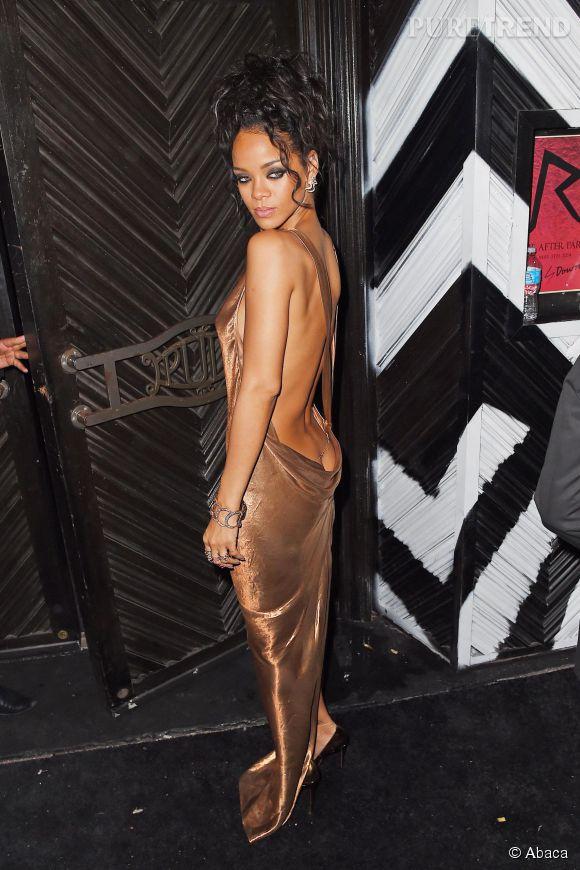 Rihanna se déshabille pour venir à bout de ses complexes, logique.