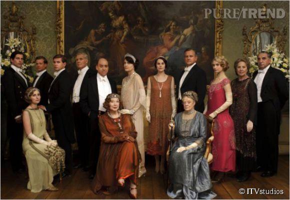 Dans la série Downton Abbey, Hugh Bonneville joue le rôle du chef de famille au château de Highclere, Lord Robert Crawley.