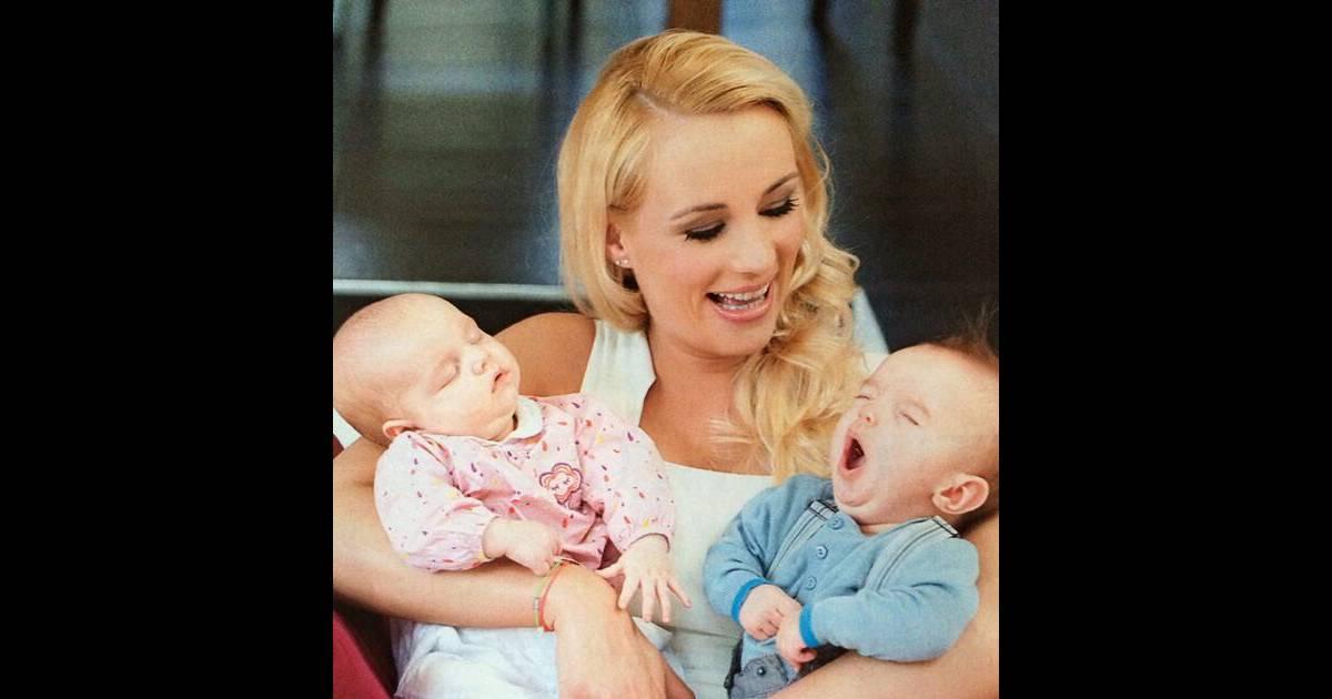 Elodie gossuin et ses deux jumeaux l onard et jos phine en tous la jolie blonde a quatre - Elodie gossuin et ses enfants ...