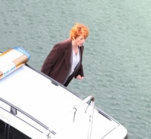 """Véronique Genest sur le tournage d'un épisode de la série """"Julie Lescaut"""" en septembre 2012."""
