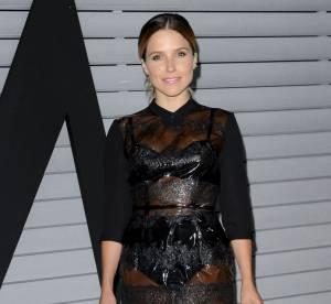 Sophia Bush : une robe en plastique transparente à la soirée Maxim Hot 100