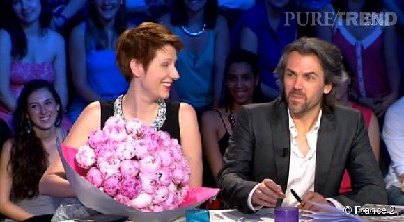 """Natacha Polony et Aymeric Caron, fini les clashs place au baiser d'au revoir sur le plateau de """"On est pas couché""""."""