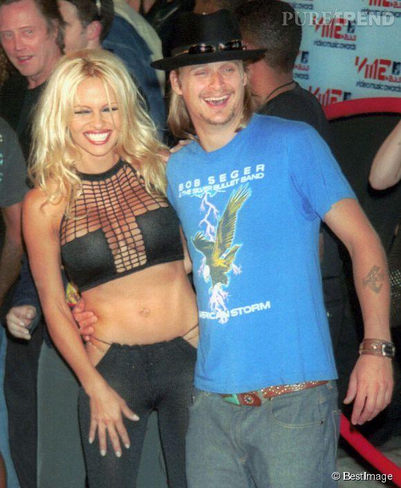Pamela Anderson nous montre tout ou presque aux côtés de Kid Rock, en 2001.