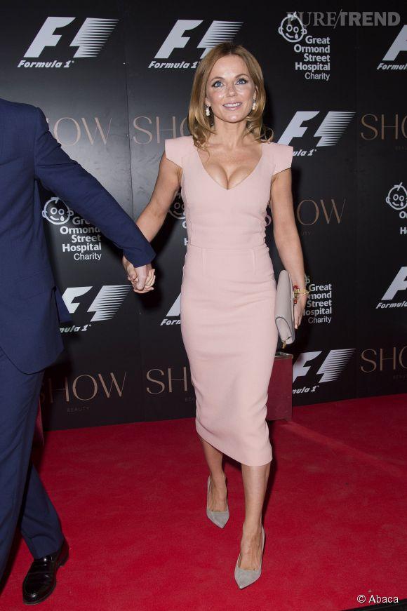 Geri Halliwell fait sa première apparition avec son nouveau compagnon et surtout de jolis arguments lors d'une soirée Formule 1 à Londres le 2 juillet.