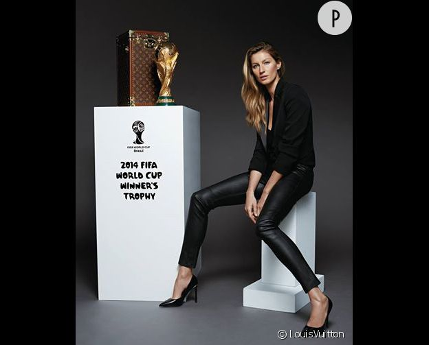 Gisele Bündchen apportera la fameuse coupe au stade Maracana, dans une malle spécialement confectionnée par Louis Vuitton pour l'occasion.