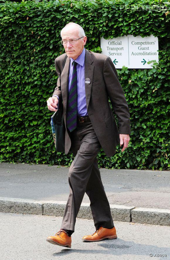 Marcus Setchell, le gynécologue de Kate Middleton a été fait Chevalier par la reine. Il avait repoussé sa retraite pour s'occuper de la duchesse et de son fis.