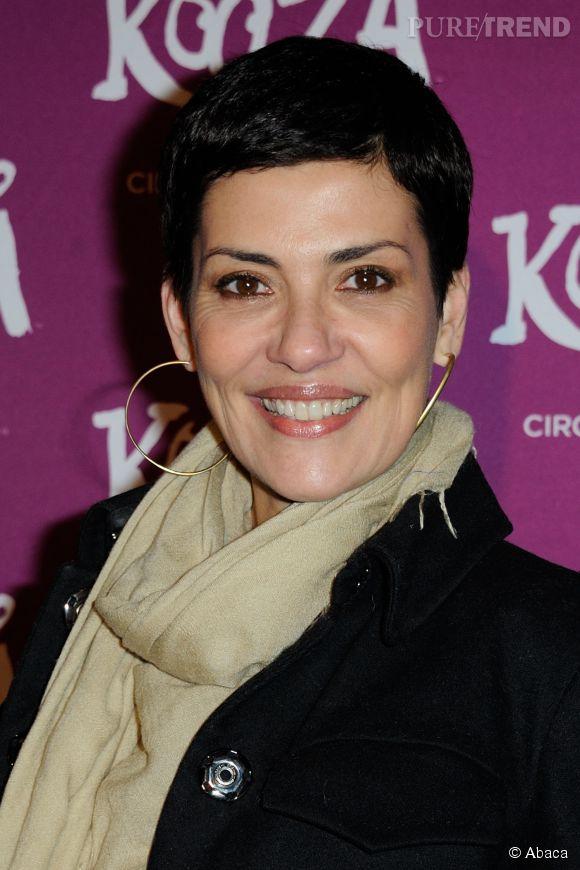 Cristina Cordula, la pétillante brésilienne nous prépare une bibloe mode chez Larousse pour l'automne prochain. Style et Allures !