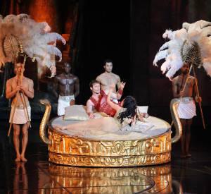 Le rôle de la reine du Nil alias Cléopâtre lui va comme un gant.