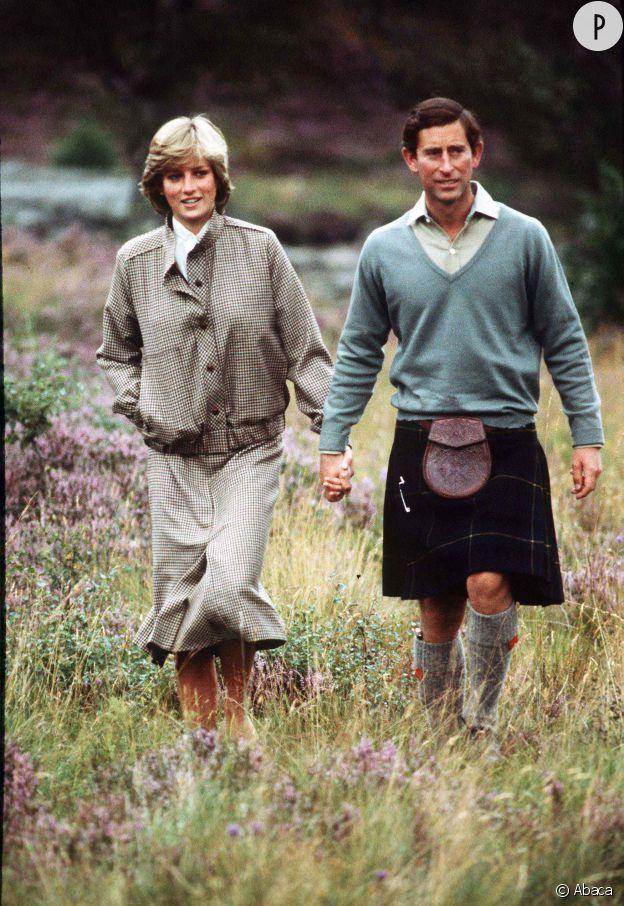 Lady Di et le prince Charles sont malgré tout, tout mignons dans les champs...