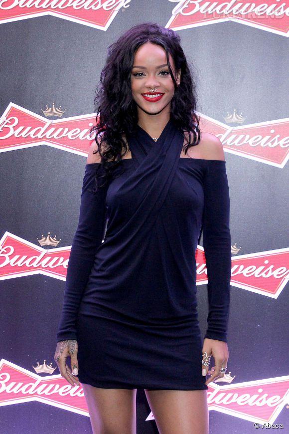 """Rihanna, égérie au  """"style affirmé et audacieux""""  de MAC Cosmetics."""