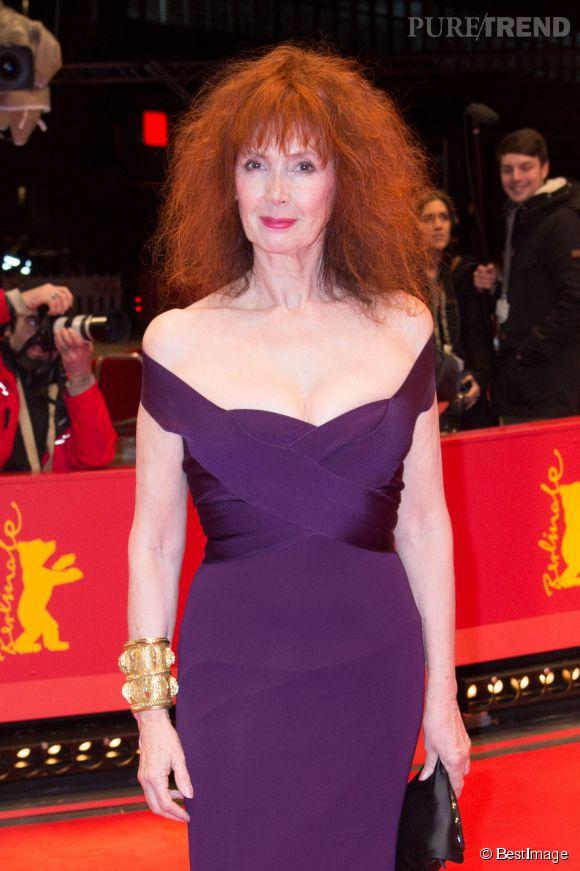 A 64 ans, Sabine Azéma aime toujours les robes sexy, comme ici à la Berlinale 2014 en février.